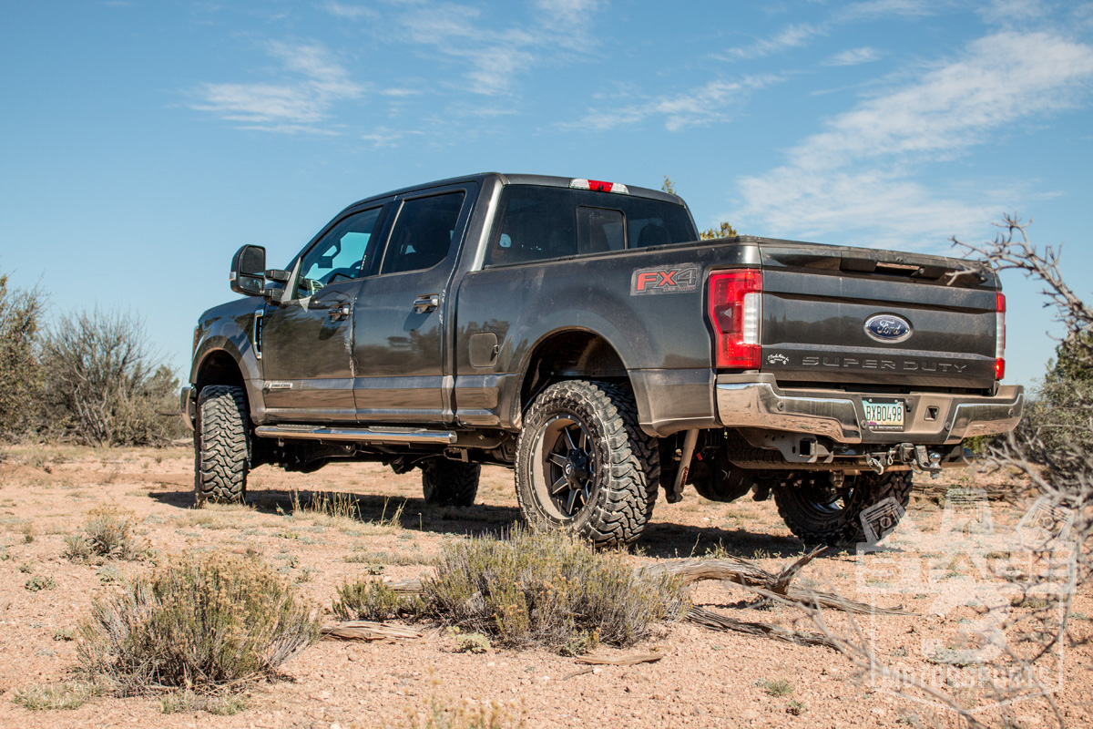 this setup and want to try it out on your own super duty you ll also need a leveling kit of at least 2 or taller to be able to clear the tires
