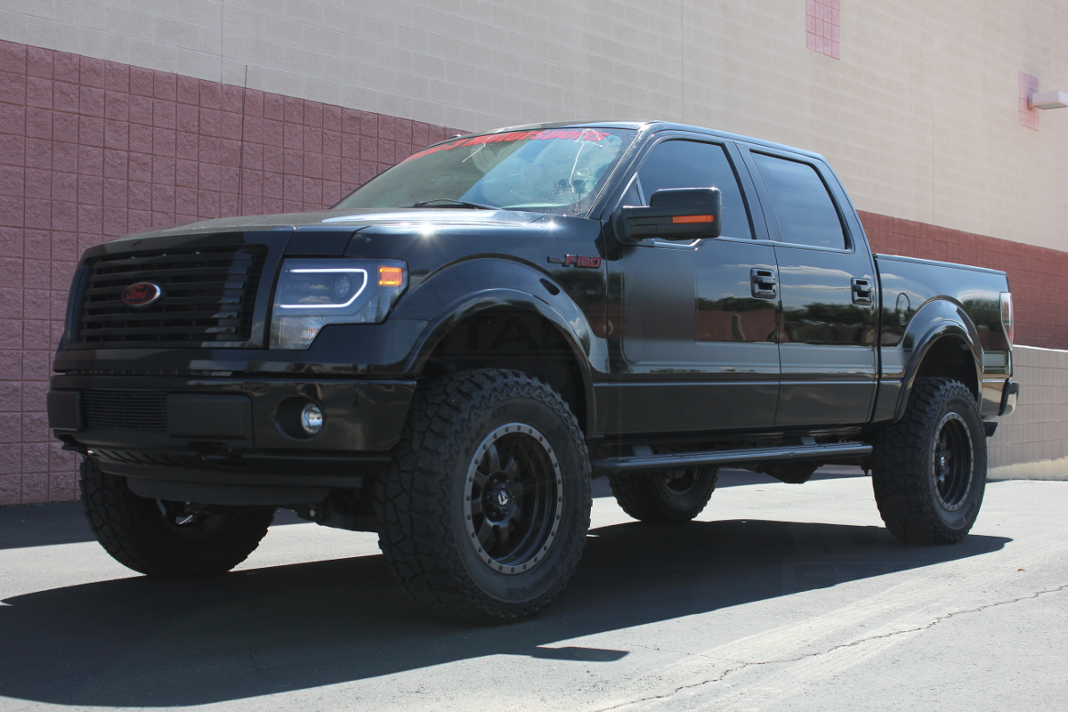 2014 ford f 150 with lift kit and oversize tires autos weblog. Black Bedroom Furniture Sets. Home Design Ideas