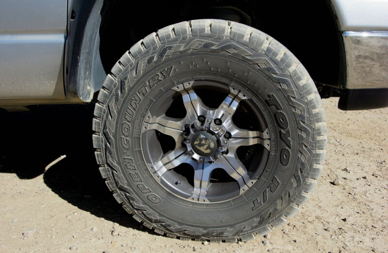 Lt295 70r17 Toyo Open Country R T Rugged Terrain Tire 351210