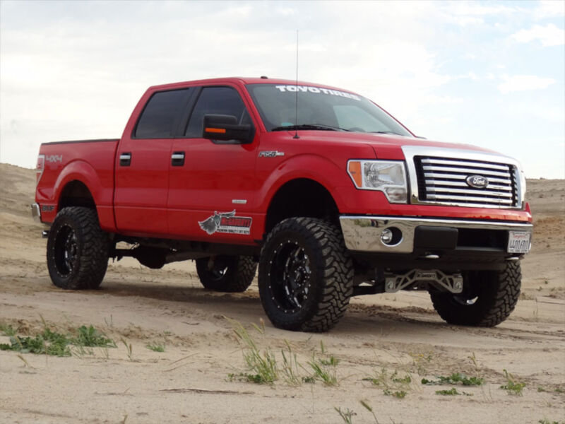 hover to zoom - Red Ford F150 Lifted