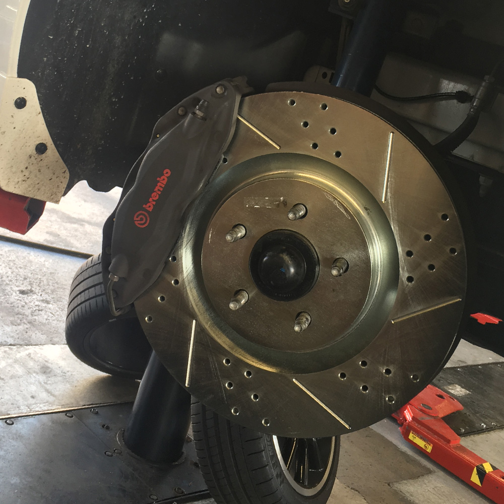 Cross Drilled Rotors >> 2011 2014 Mustang Gt Power Stop Cross Drilled Slotted Front Rotor