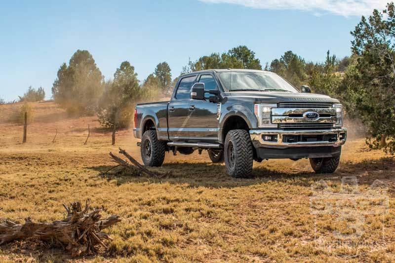 """2017 Ford F350 King Ranch Dually >> 2017-2019 F250 & F350 4WD Ready Lift 2.5"""" Front Leveling Kit 66-2725"""