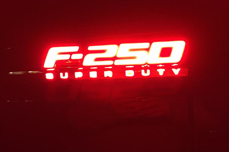 2016 F350 Super Duty >> 2011-2016 F250 Recon Illuminated Side Emblems 264285