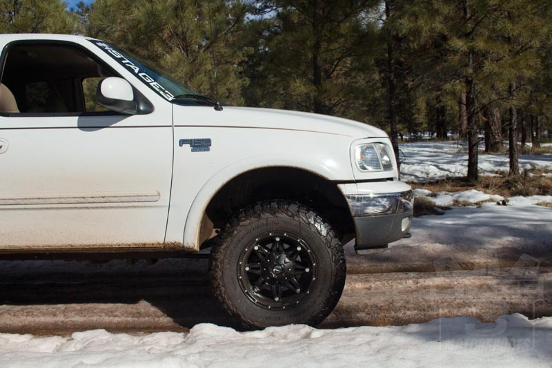 1997-2003 F150 Rough Country 2.5-Inch Leveling/Lift Kit