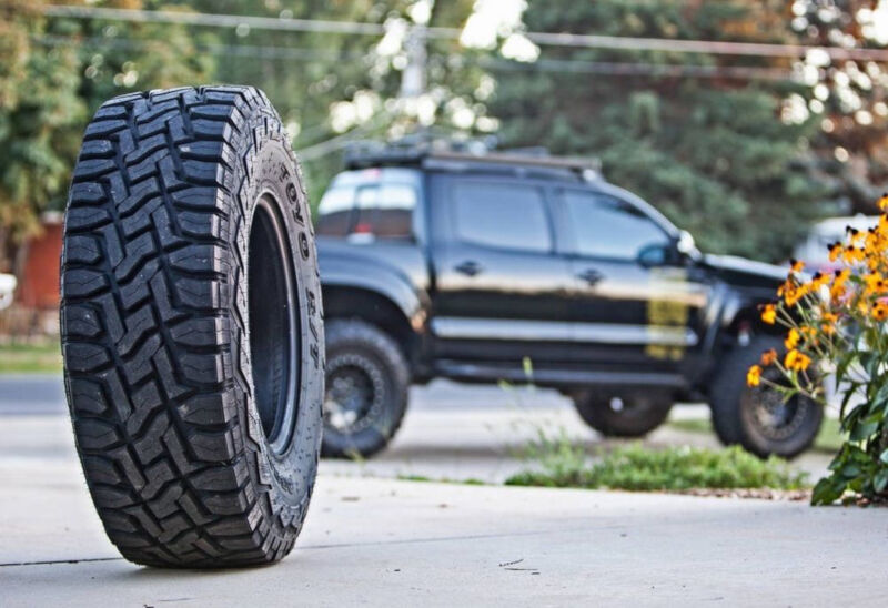 Lt275 70r18 Toyo Open Country R T Rugged Terrain Tire 351220