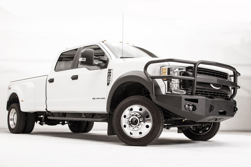 2017-2019 F450 & F550 Fab Fours Premium Winch-Ready Front Bumper with Full  Grille Guard
