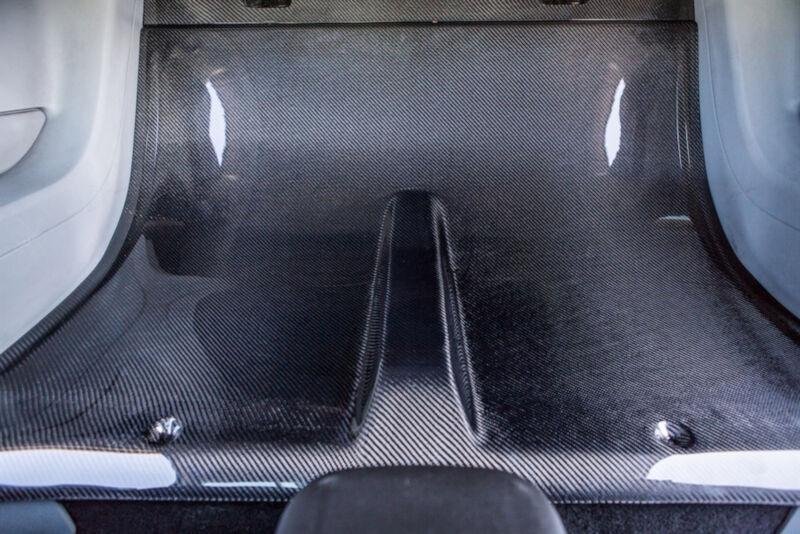 Trucarbon Gt500 Venom Recessed Hood W Locks Dscn4165 Jpg